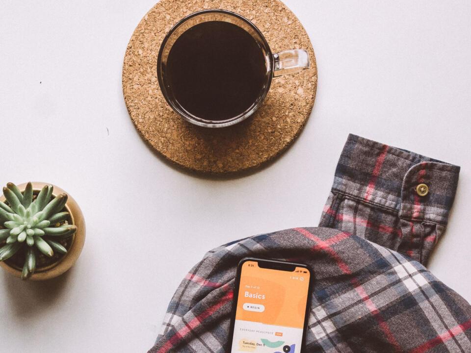 Das Prinzip der Achtsamkeit: Den Arbeitsalltag mit mehr Gelassenheit zu bewältigen